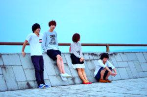teenagers-in-love
